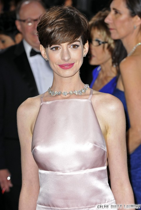 James Franco and Howard Stern Hate Anne Hathaway - But At Least SHE Can Act!