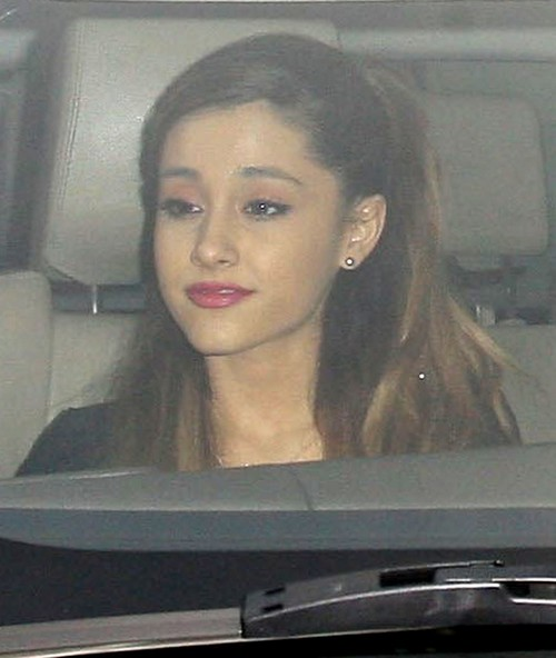 Ariana Grande Stands by Justin Beiber After DUI Arrest: New Couple Alert?