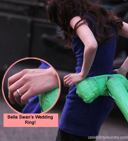 First Look Photo: Bella Swan's Breaking Dawn Wedding Ring!