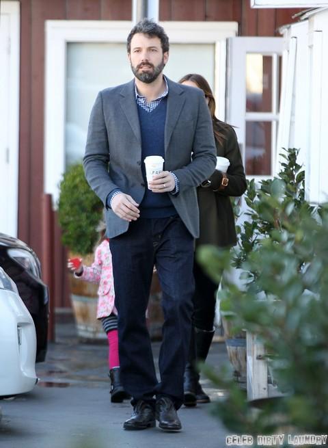 Jennifer Garner Demands Ben Affleck's Drop Batman Role and Play Mr. Mom