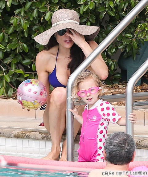 Bethenny Frankel Abandons 2-Year-Old Sick Daughter To Party With Friends – Jason Hoppy Will Win Custody Battle