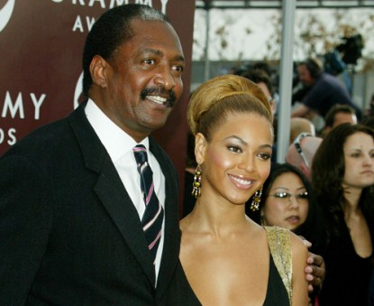 Beyonce Severs Business Ties With Her Manager - Dumps Her Own Dad!