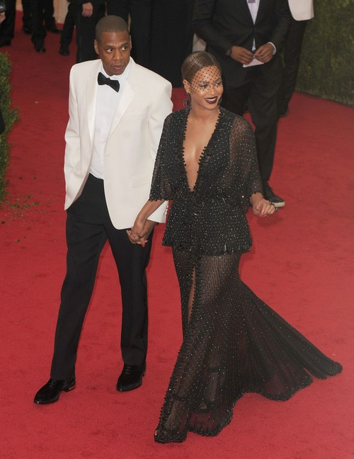 Beyonce Cheating Means Jay-Z Divorce - Bey With Bodyguard Julius De Boer After Elevator Attack - Report (VIDEO)