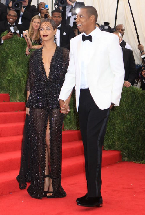 Beyonce and Jay-Z Fight and Swear Over Cheating Allegations - Huge Superbowl Battle Revealed - Break-Up Looms? (PHOTOS - VIDEO)