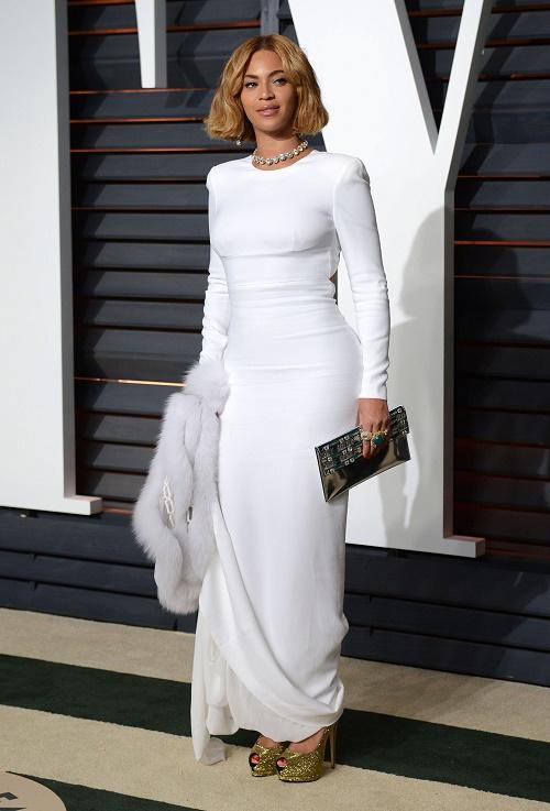 Kim Kardashian Needs Beyonce As BFF - Pressuring Jay-Z and Bey To Become Her Neighbors!