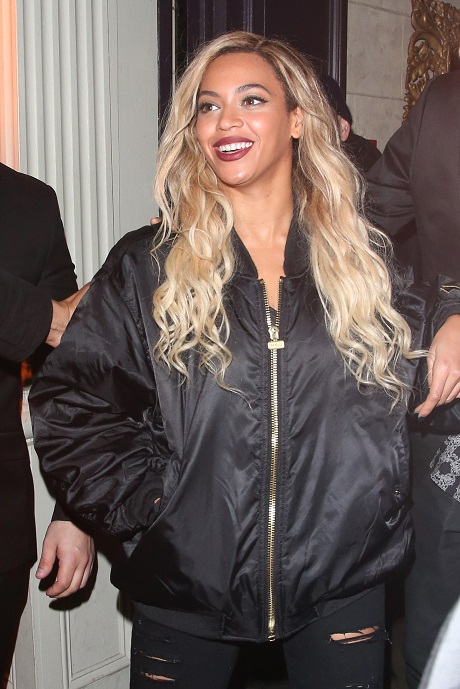 Beyonce Divorce From Jay-Z: Rumors Fueled After Queen Bey Spotted Shopping For Solo Apartment!