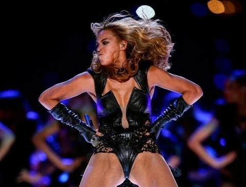 beyonce_UGLY_crotch_shot