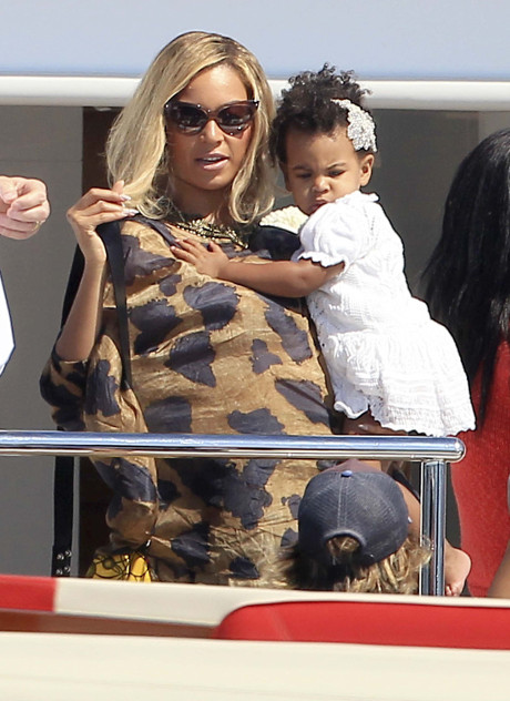 Beyonce Banned from Egyptian Pyramids after Inconsiderate, Diva Meltdown?