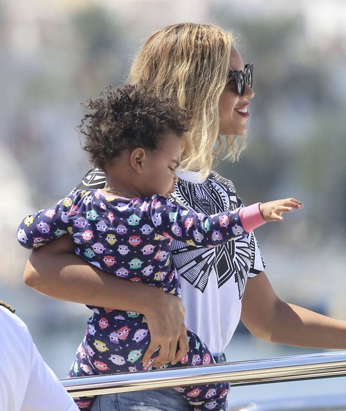 Beyonce Doesnt Want Her Mother, Tina Knowles, Dating Scientologist Richard Lawson