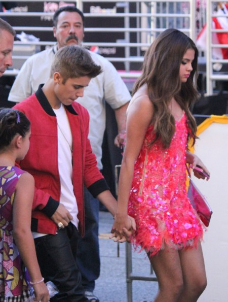 """Selena Gomez Tired Of """"Clingy and Delusional"""" Justin Bieber 0713"""