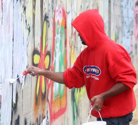 Justin bieber questioned by brazil cops over graffiti prank close to