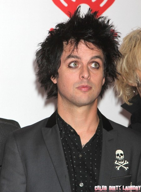 Justin Bieber Attacked By Green Day's Billie Joe Armstrong At iHeart Radio Festival! (Video)