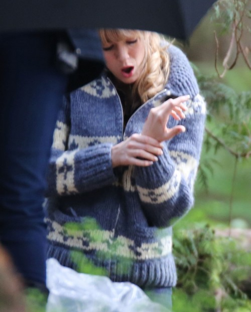 Blake Lively Injured and Bleeding While Filming 'Age Of Adaline' In Vancouver (PHOTOS)