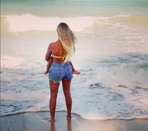 Beyonce Releases New Pictures of Blue Ivy - Afraid of Kim Kardashian and North West Getting all the Attention? (PHOTOS)