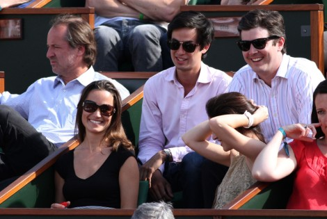 New Boyfriend Pippa Middleton? Mystery Man Joins Her In City Of Love 0827
