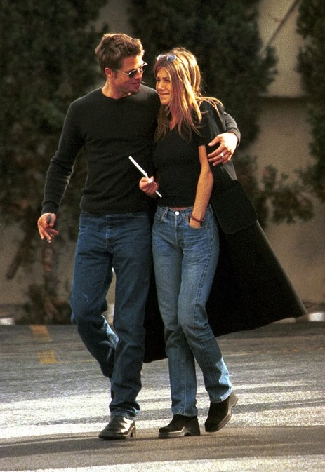 Brad Pitt Calls and Comforts Jennifer Aniston After Split With Justin Theroux