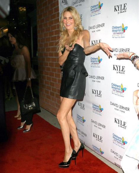 Brandi Glanville Crashes LeAnn Rimes' Date With Eddie Cibrian, Causes Scene In Front Of Boys 0708
