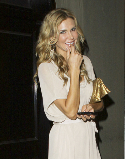 "Brandi Glanville Has A Drunken Wedding In Las Vegas ""For Fun"""