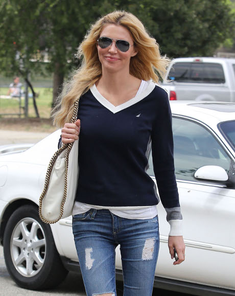 Brandi Glanville Slams LeAnn Rimes' New Album: Says it's Complete Trash!
