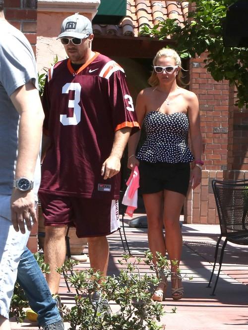 Britney Spears, Boyfriend David Lucado Break-Up Video: Split after Cheating, Kissing Other Woman (PHOTOS)