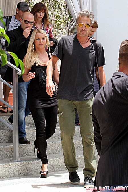 Britney Spears Calling Off Wedding to Court Appointed Baby Sitter, Jason Trawick