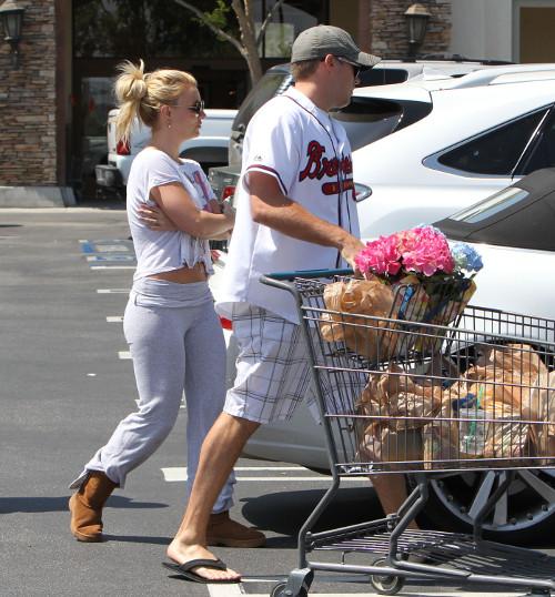 Britney Spears' Pregnancy Scare: Las Vegas Gig at Risk?