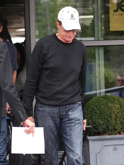 Bruce Jenner and Cher 'Hot and Heavy' Hook-Up - Couple Dating and In Love?