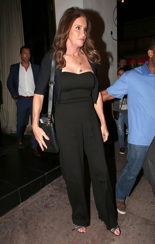 Caitlyn Jenner Exposes Phony Kardashians: Kim Kardashian Fuming – Kris Jenner Threatens to Disown Ex-Husband?