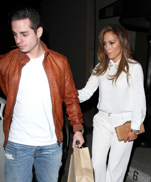 Jennifer Lopez - Casper Smart Cheating Break-up: 'On the Brink of Split' After Second Transexual Texting Scandal