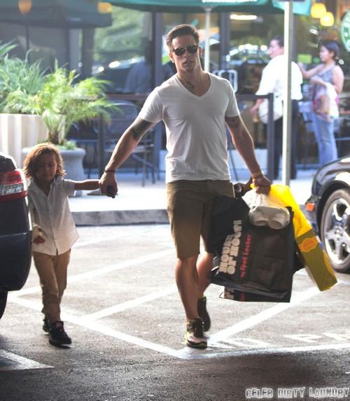 Jennifer Lopez Kicks Casper Smart To The Curb Empty-Handed