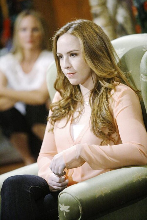 """The Young and the Restless Shocking Spoiler: Who Is Cassie's """"Ghost?"""""""