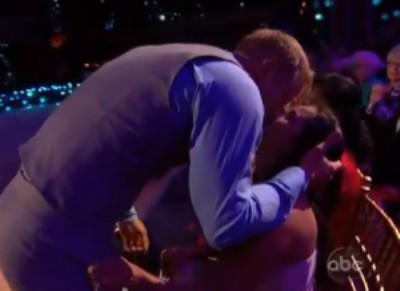 Sean Lowe Kisses Catherine Giudici To Make Up For Flirting With Petra Murgatroyd (Video) 0409