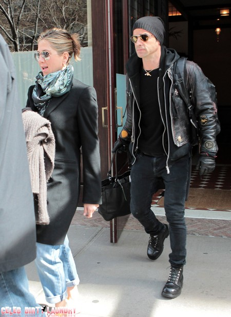 Justin Theroux Calls Off His Wedding To Jennifer Aniston!