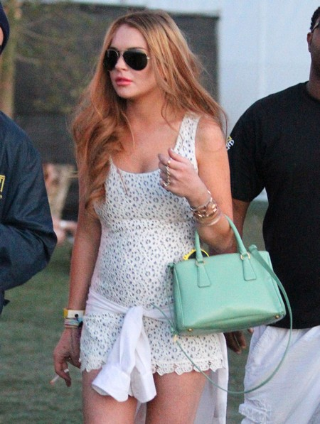 This Time Lindsay Lohan Is Prepared To Ridicule Herself On Glee!