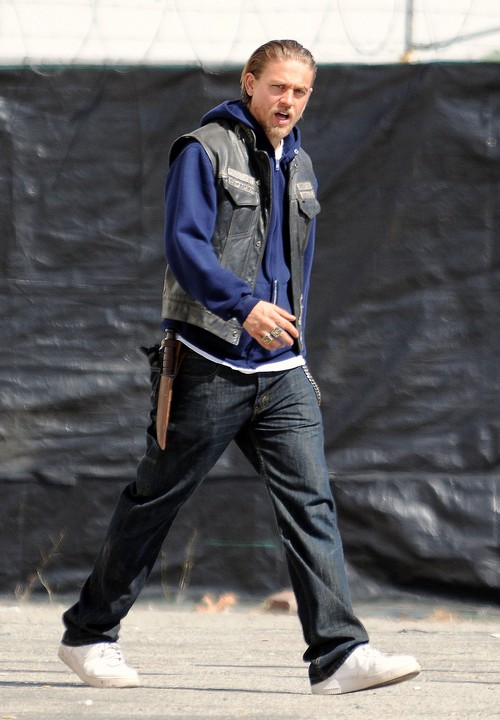 Charlie Hunnam To Quit Fifty Shades Of Grey Movie After Fan Backlash (PHOTOS)?