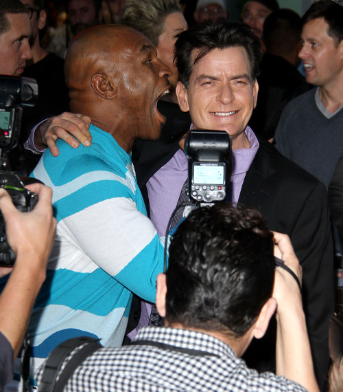 Charlie Sheen Threatens Anger Management Producers: Fire Selma Blair or I Quit!