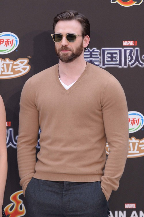 Chris Evans Retiring From Acting After Marvel Contract - Whiny Ungrateful Brat?