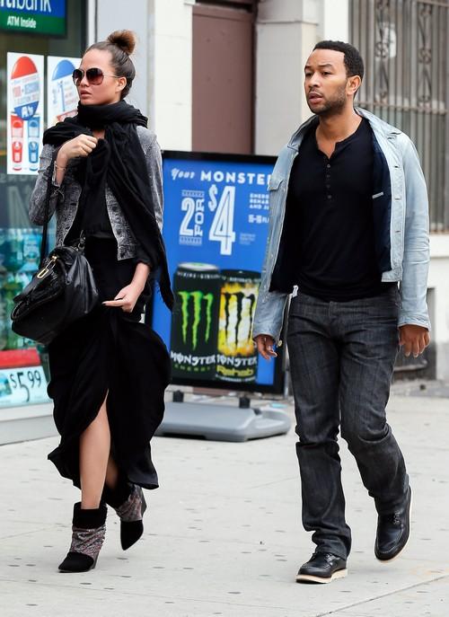 Chrissy Teigen and John Legend Make Fun of Domestic Abuse (PHOTOS)
