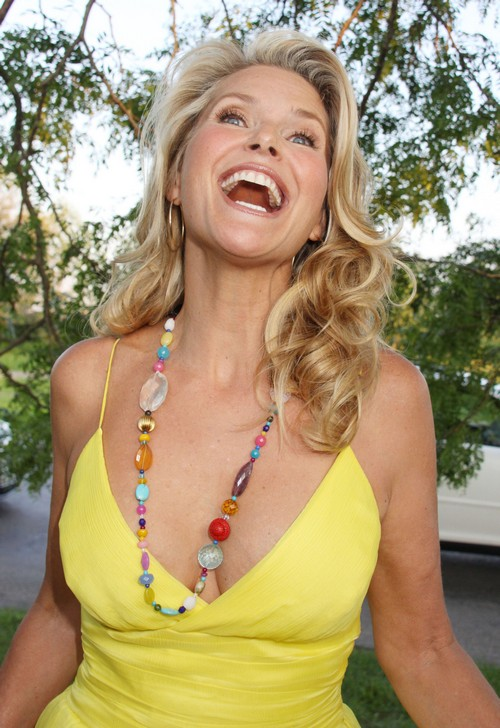 Christie Brinkley Narcissitic Egomaniac and Gold Digger Slams Ex-Husband Peter Cook