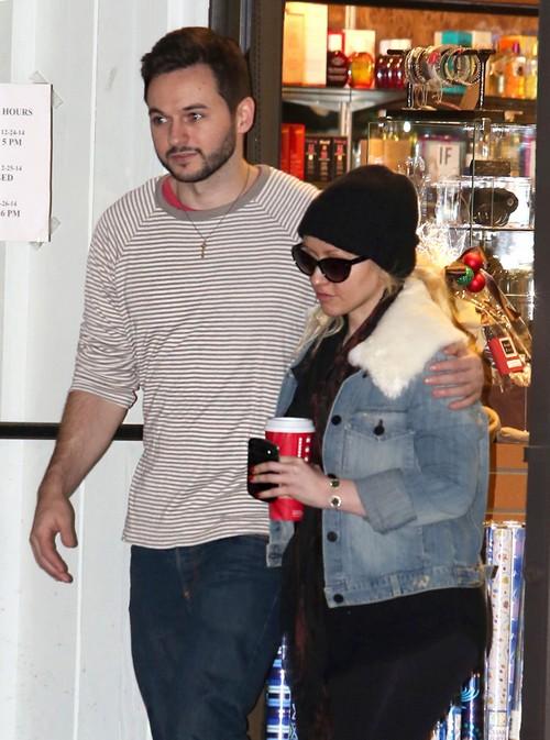 "Christina Aguilera Attacks Mickey Mouse, Calls Him an ""A**hole"" - Security Guards Respond To Diva Tantrum"