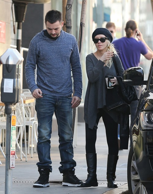 Christina Aguilera Afraid to Get Fat Again: Uses Meal Service To Prevent Weight Gain During Pregnancy - Report