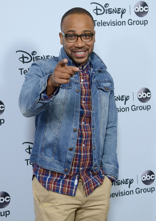 Scandal Star Columbus Short Arrest Warrant Issued Over Bar Fight Assault: History of Violence Against His Wife Exposed