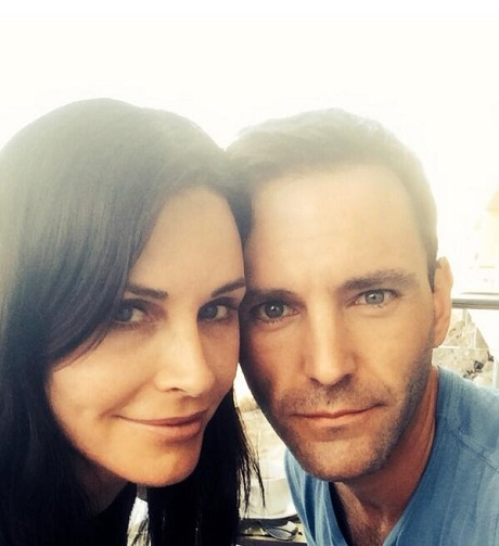 Courteney Cox And Johnny McDaid Engaged Officially: Will She Beat Jennifer Aniston Down The Aisle? (PHOTO)