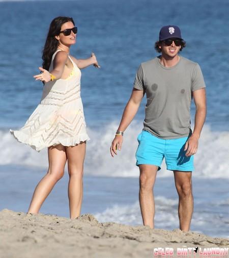 The Bachelor's Courtney Robertson Returns Ben Flajnik's Engagement Ring