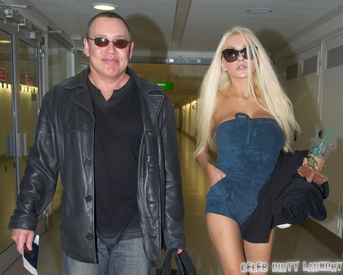Courtney Stodden & Doug Catch A Flight Out Of London