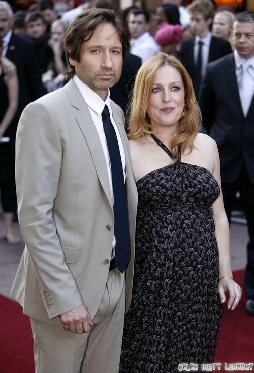 """Gillian Anderson And David Duchovny Behave Like """"Husband and Wife"""" - Show Off Romance At Comic-Con"""