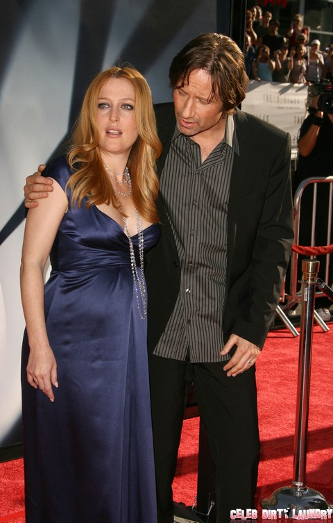 David Duchovny and Gillian Anderson Share a Bed and a Room On Hawaiian Vacation!