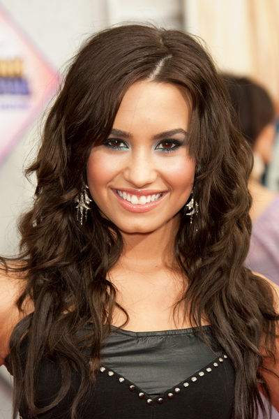 Demi Lovato Leaving Rehab Next Week!