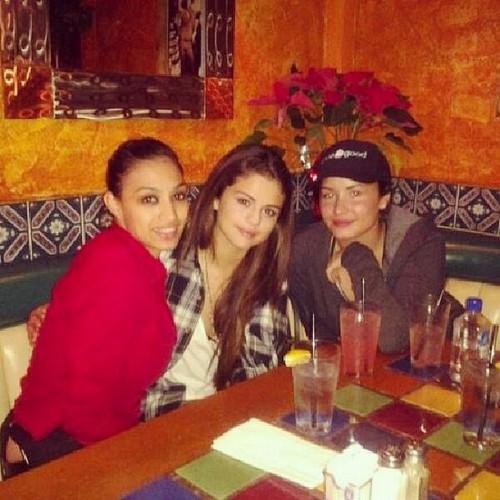 Demi Lovato Warns Selena Gomez To Stay Away From Justin Bieber