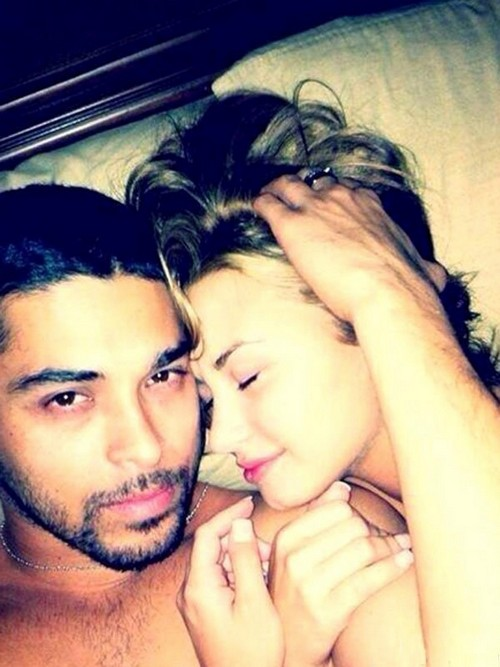 Demi Lovato Responds To Topless Nude Pics Leak - Naked Selfies With Wilmer Valderrama Making Love In Bed (PHOTOS)